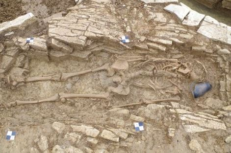 Unusual Roman-era graves discovered in UK by archaeologists