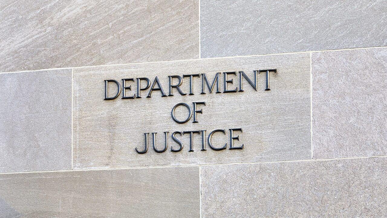Paar mit iranischen Beziehungen mit Gefängnis Zeit für die illegale überwachung der iranischen Oppositionellen Gruppen in den USA: DOJ