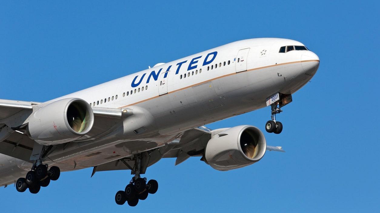 United Airlines reducing service to Japan, South Korea, Singapore amid coronavirus outbreak