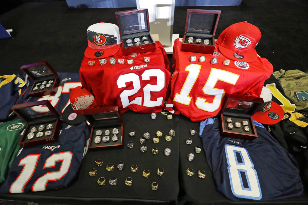 $123M στο ψεύτικο Super Bowl εμπόρευμα κατασχέθηκαν από τη CBP, DHS, ΠΆΓΟ μπροστά από το μεγάλο παιχνίδι