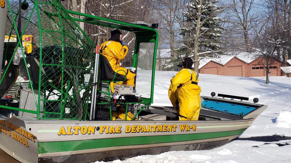 Ice fishermen rescued from bay in upstate New York after falling through ice