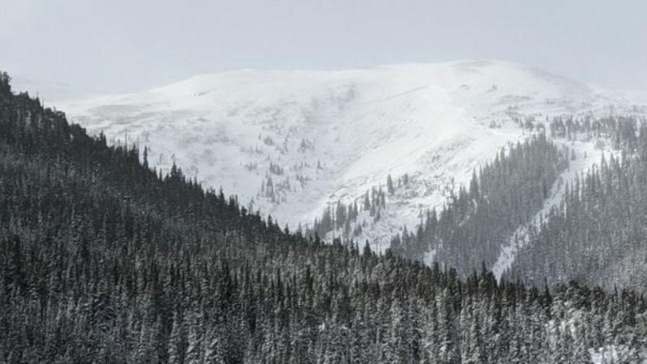 Χιονοστιβάδα στο Κολοράντο φύλλα 2 θεωρείται νεκρή βόρεια από το Vail, lone survivor κατάφερε να