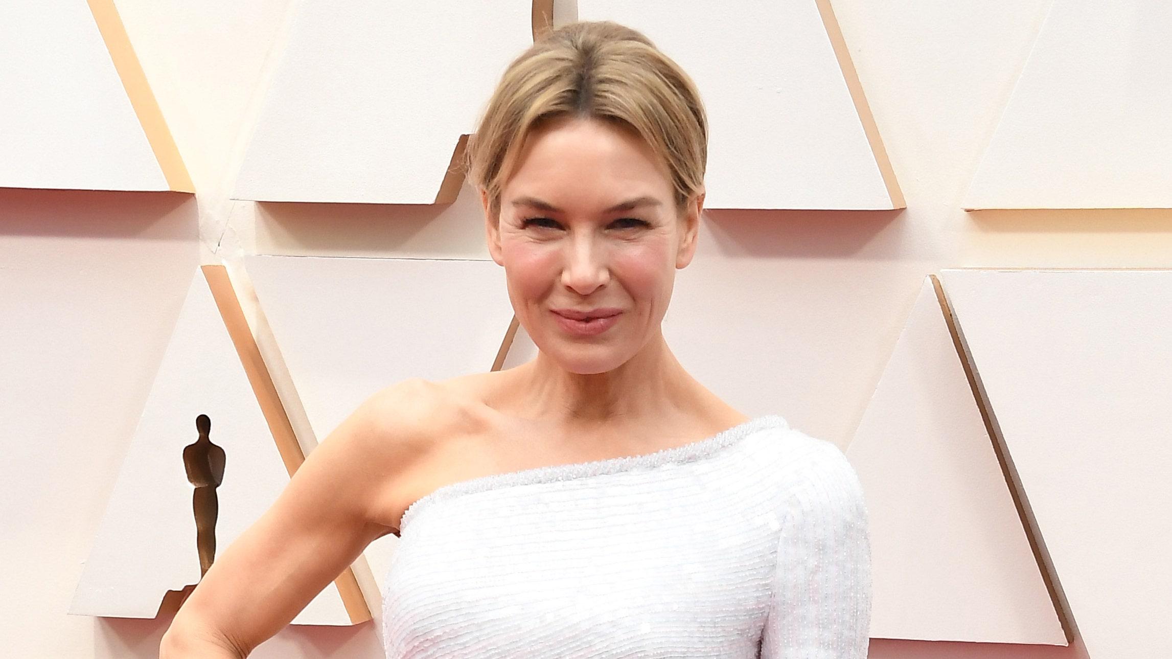 Renée Zellweger stuns at Oscars in one-shoulder dress