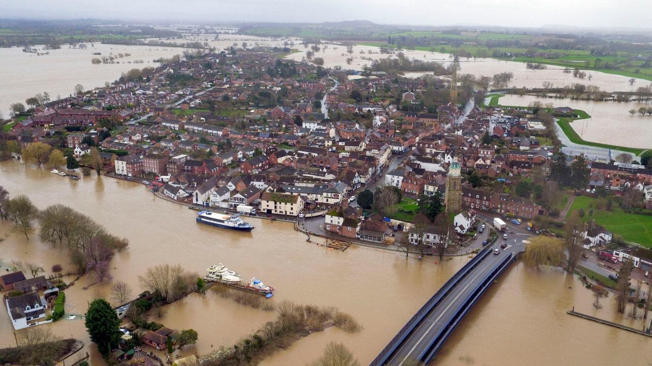Boris Johnson Treffer für Sturm Dennis flood Antwort, Herr minister sagt, kein Besuch, ist zu