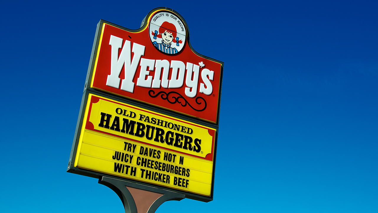 Wendy's mocks Burger King's new french fry sandwich on Twitter