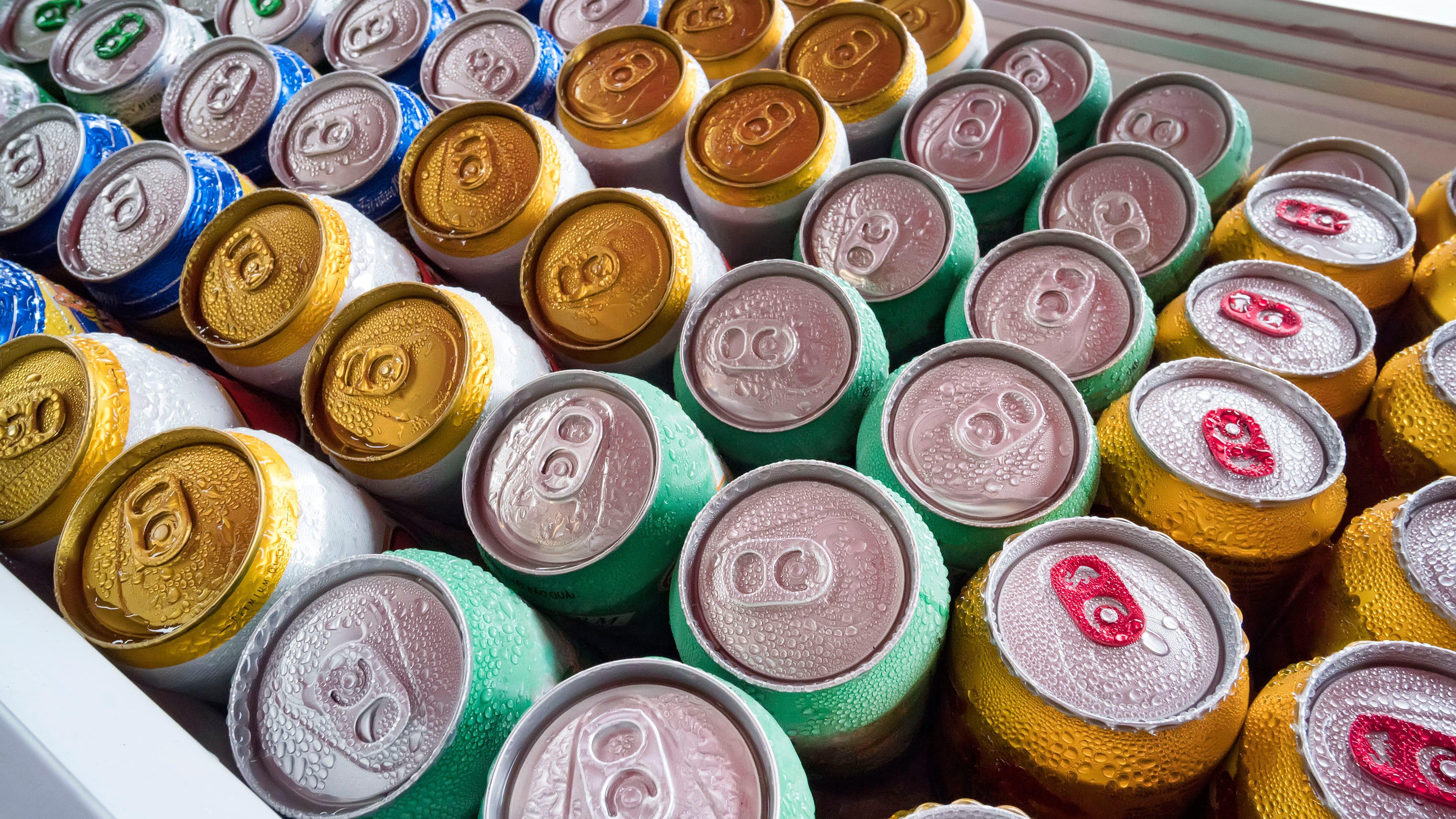 Major beer distributor comes to bars and restaurants' aid during coronavirus shutdowns