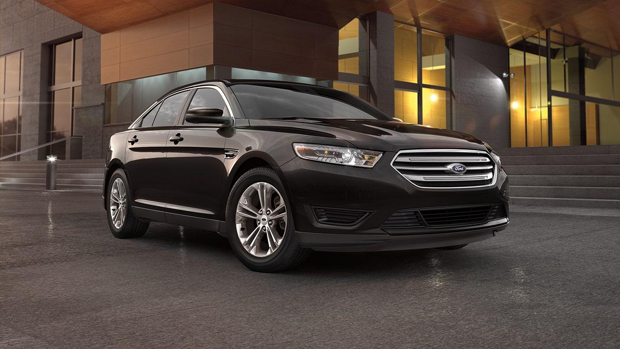 Ford erinnert über 240K Fahrzeuge auf das Risiko der Aussetzung scheitern