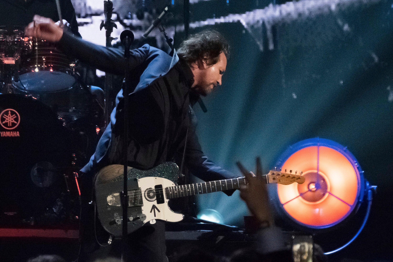 Coronavirus fears cause Pearl Jam to postpone first leg of tour thumbnail