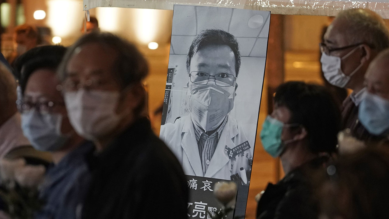 Ποιος ήταν ο Λι Wenliang, η Κινεζική γιατρός ο οποίος προειδοποίησε για το coronavirus;