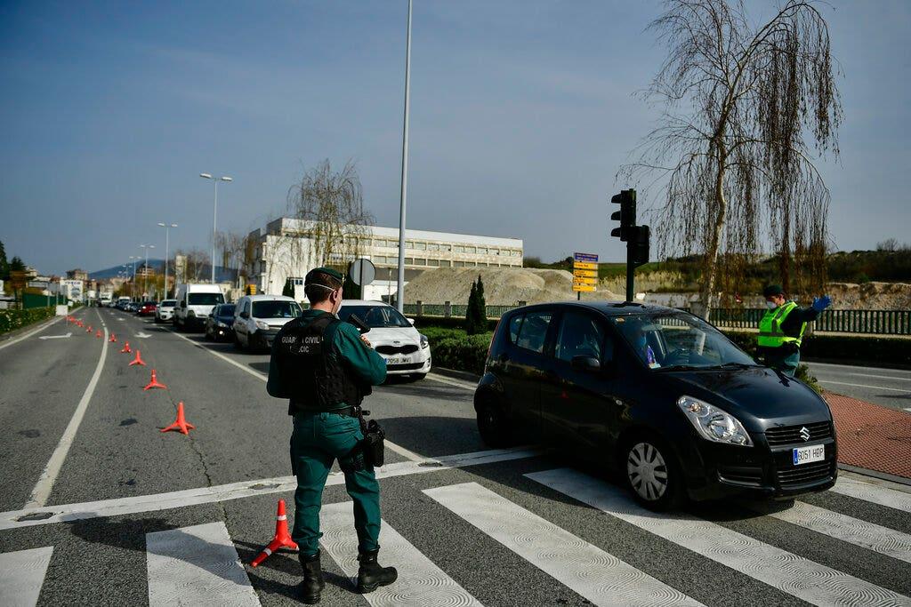 Η ισπανία είναι coronavirus περιπτώσεις άλμα από 5.000 σε 24 ώρες, τώρα μόνο πίσω από την Κίνα και την Ιταλία