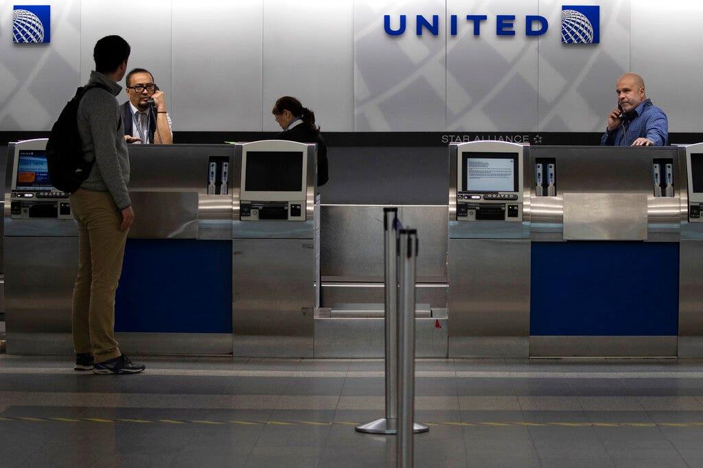 Westlake Legal Group AP20081802341668 United Airlines slashes domestic travel further due to coronavirus pandemic Vandana Rambaran fox-news/travel fox-news/health/infectious-disease/coronavirus fox news fnc/travel fnc cbe03825-914c-5c0f-bcb5-3275d45a299e article