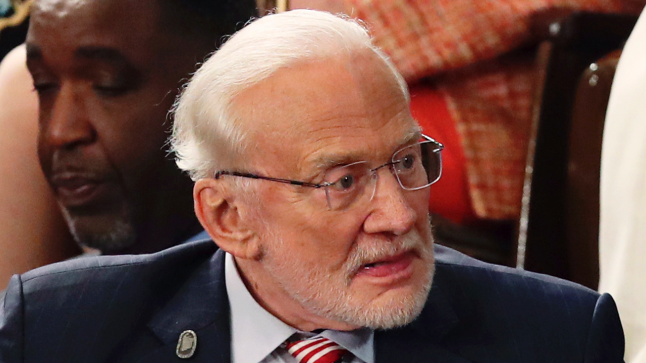 Buzz Aldrin receives first COVID-19 shot, urges Americans to vaccinate 'as soon as possible'