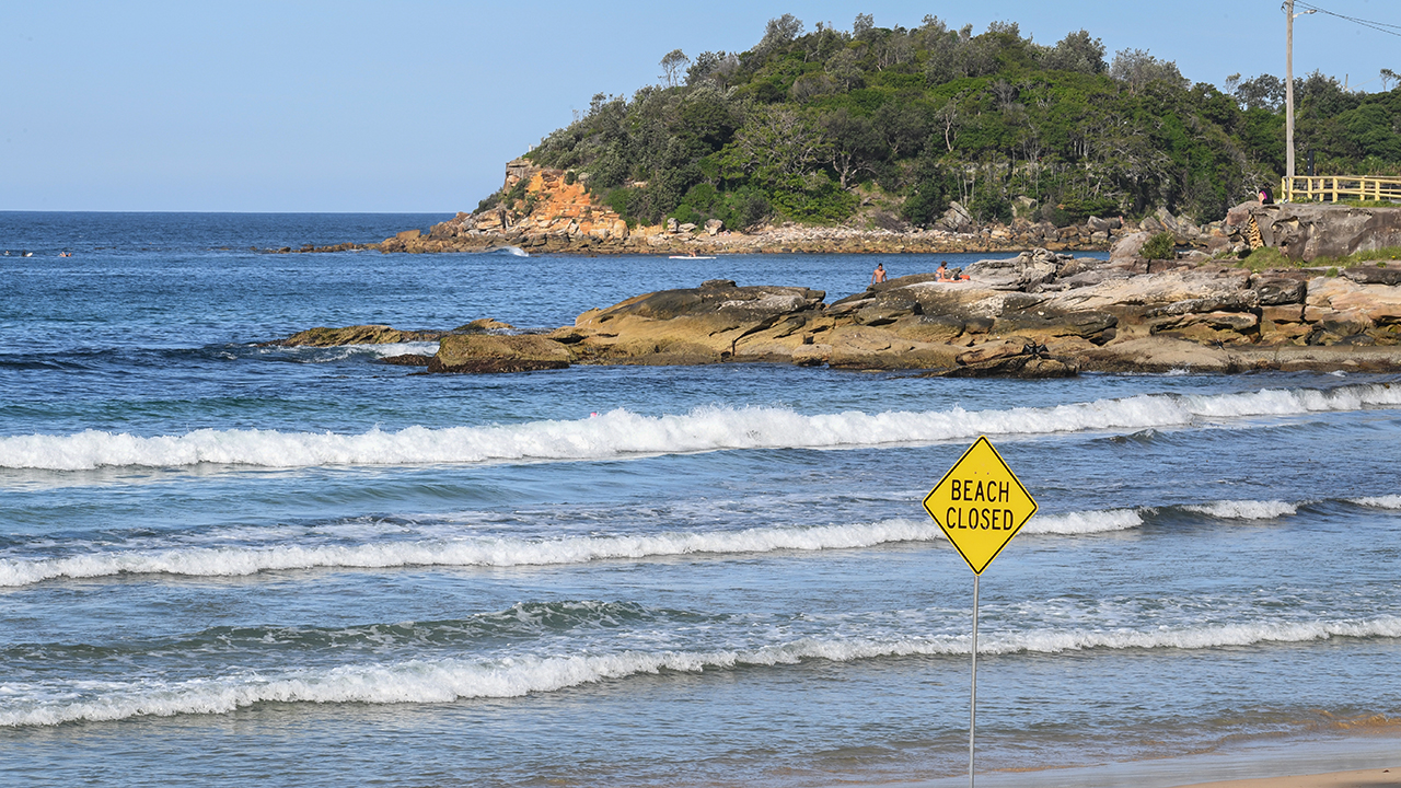Πολυσύχναστες παραλίες της Αυστραλίας εντολών νέους περιορισμούς για την καταπολέμηση coronavirus