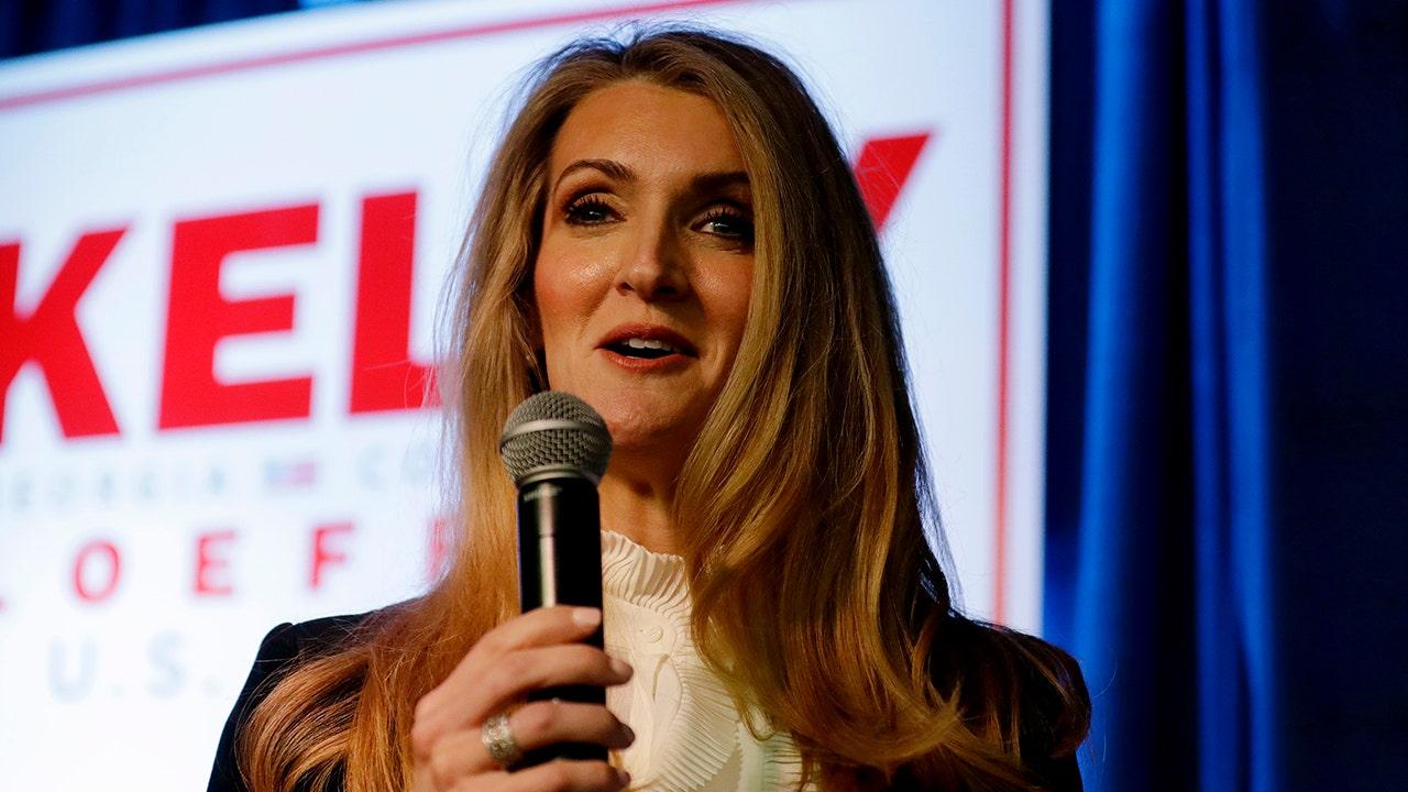 Sen. Kelly Loeffler angeblich 'dumped Millionen' im Lager vor coronavirus getankt Märkte