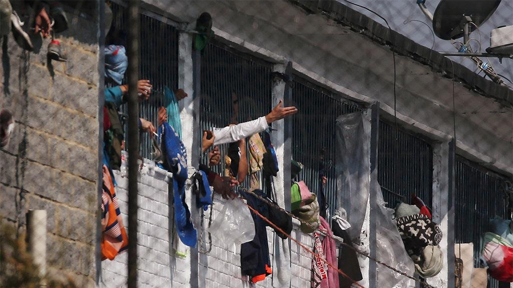 Κολομβία εξέγερση σκοτώνει τουλάχιστον 23 εν μέσω coronavirus φόβους, αξιωματούχοι λένε