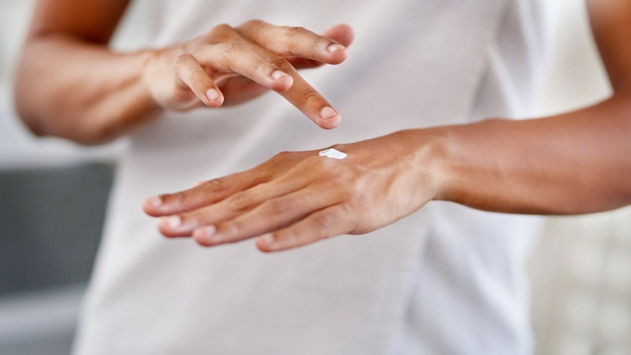 どのように癒乾燥し、ひび割れの手が粗からoverwashing