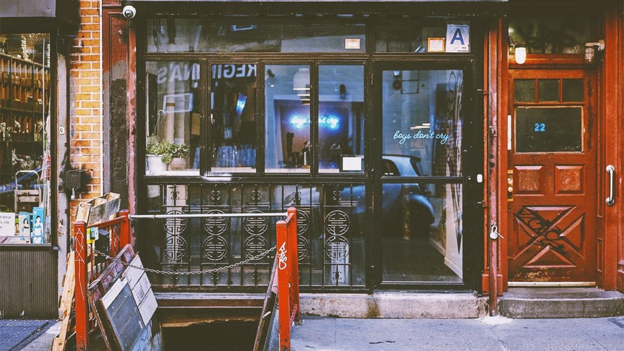 Popular NYC dive bar doing virtual happy hour amid coronavirus quarantine - fox
