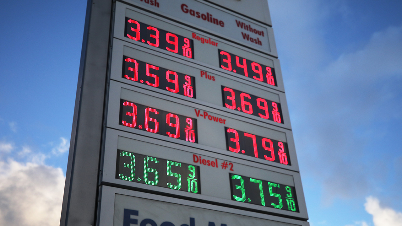 Gas prices could hit 99 cents in some states due to coronavirus, supplies expert says
