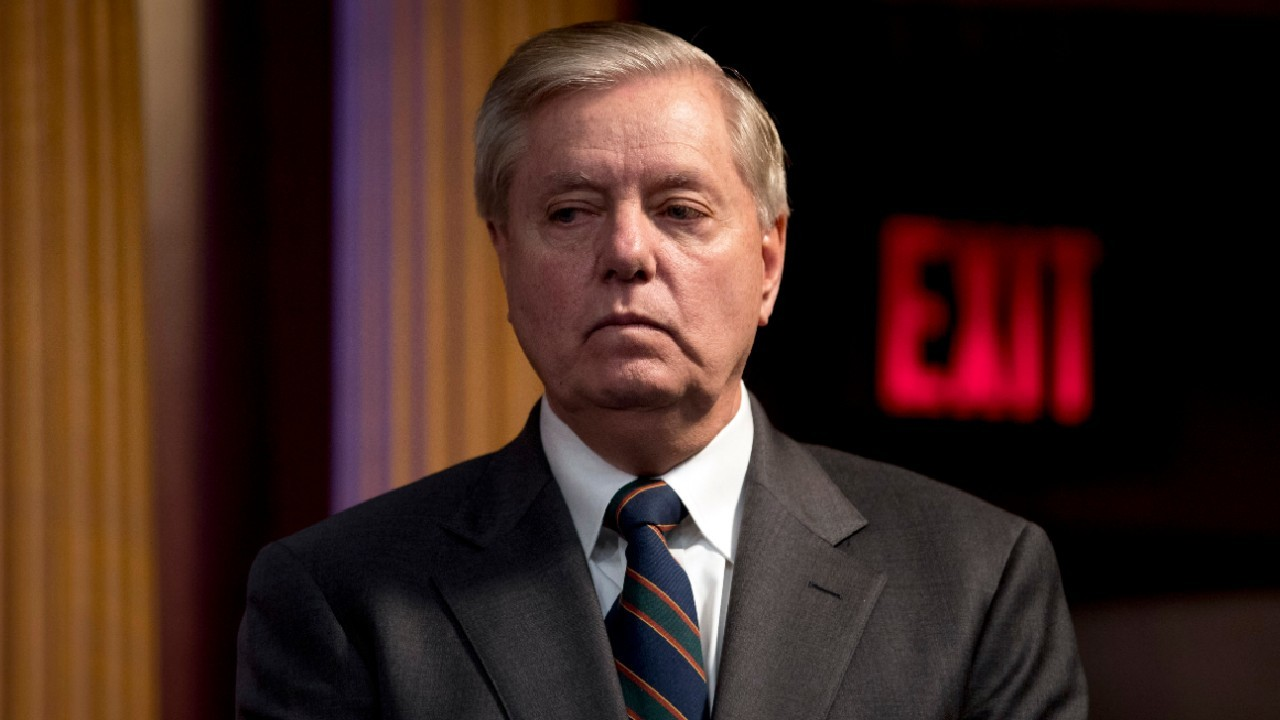 Lindsey Graham says 6-8 weeks for unemployed to get relief checks is 'unacceptable'