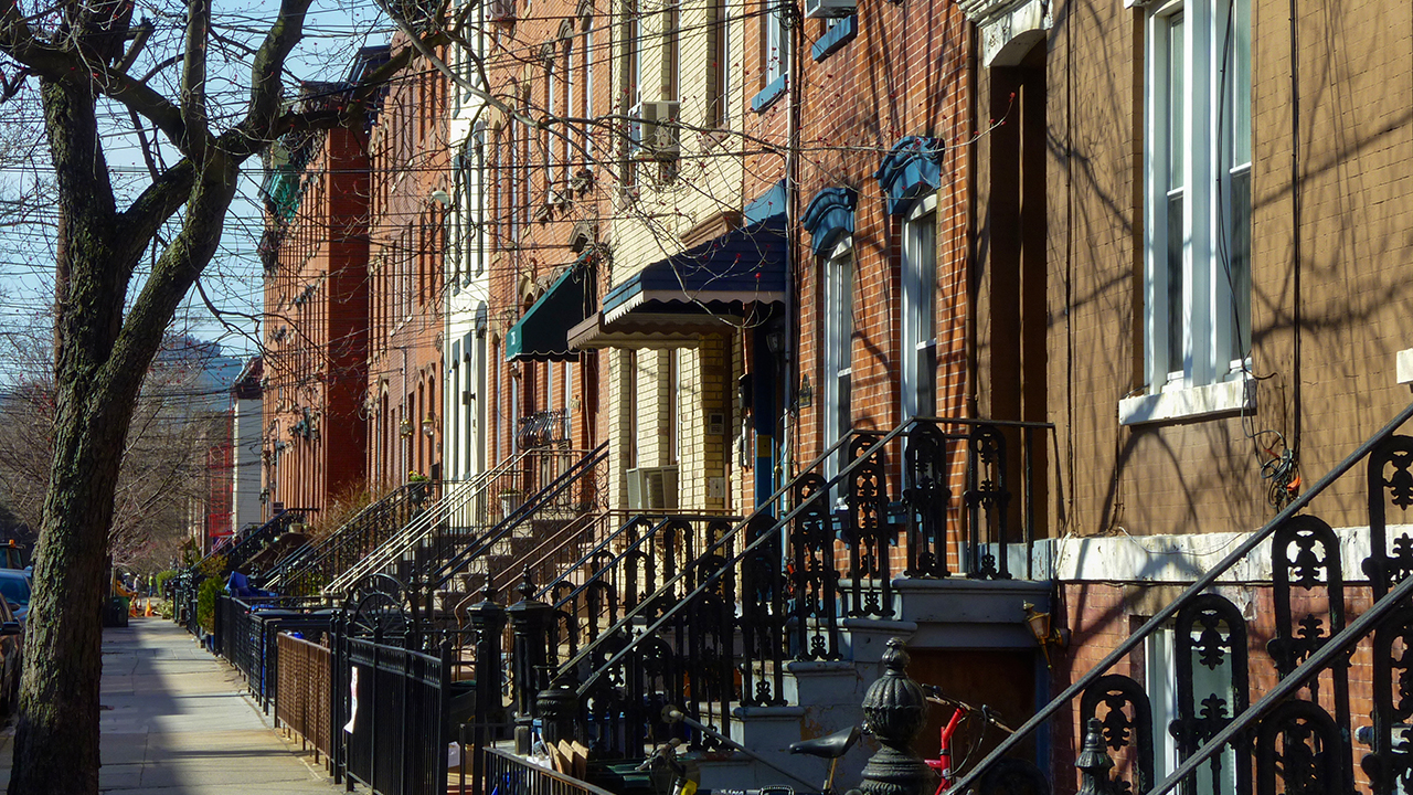 Hoboken New Jersey memberlakukan jam malam malam di coronavirus clampdown