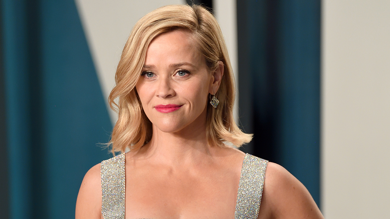 Reese Witherspoon says she's trying 'to be patient' with family during coronavirus quarantine