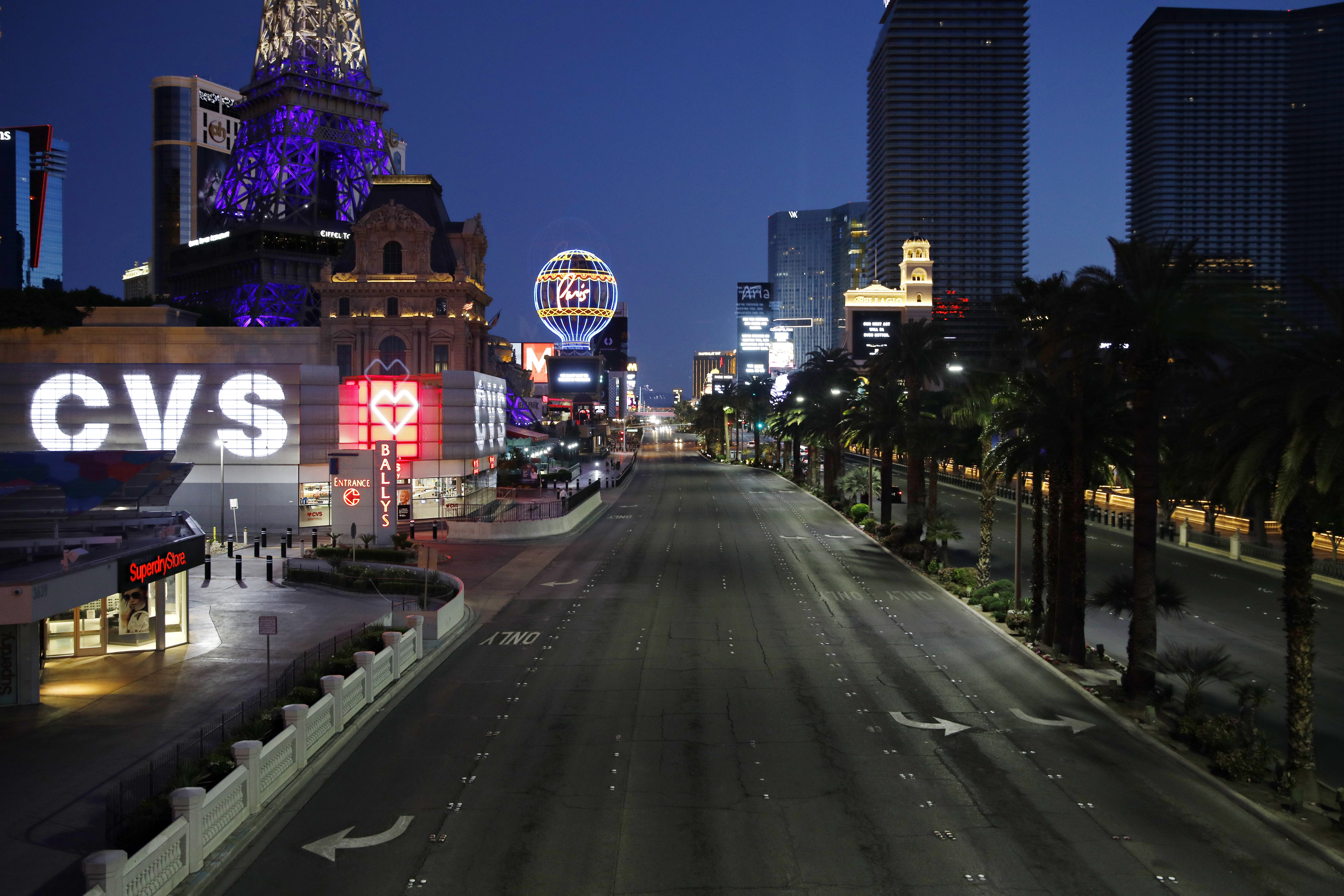 Las Vegas casinos prepare to roll