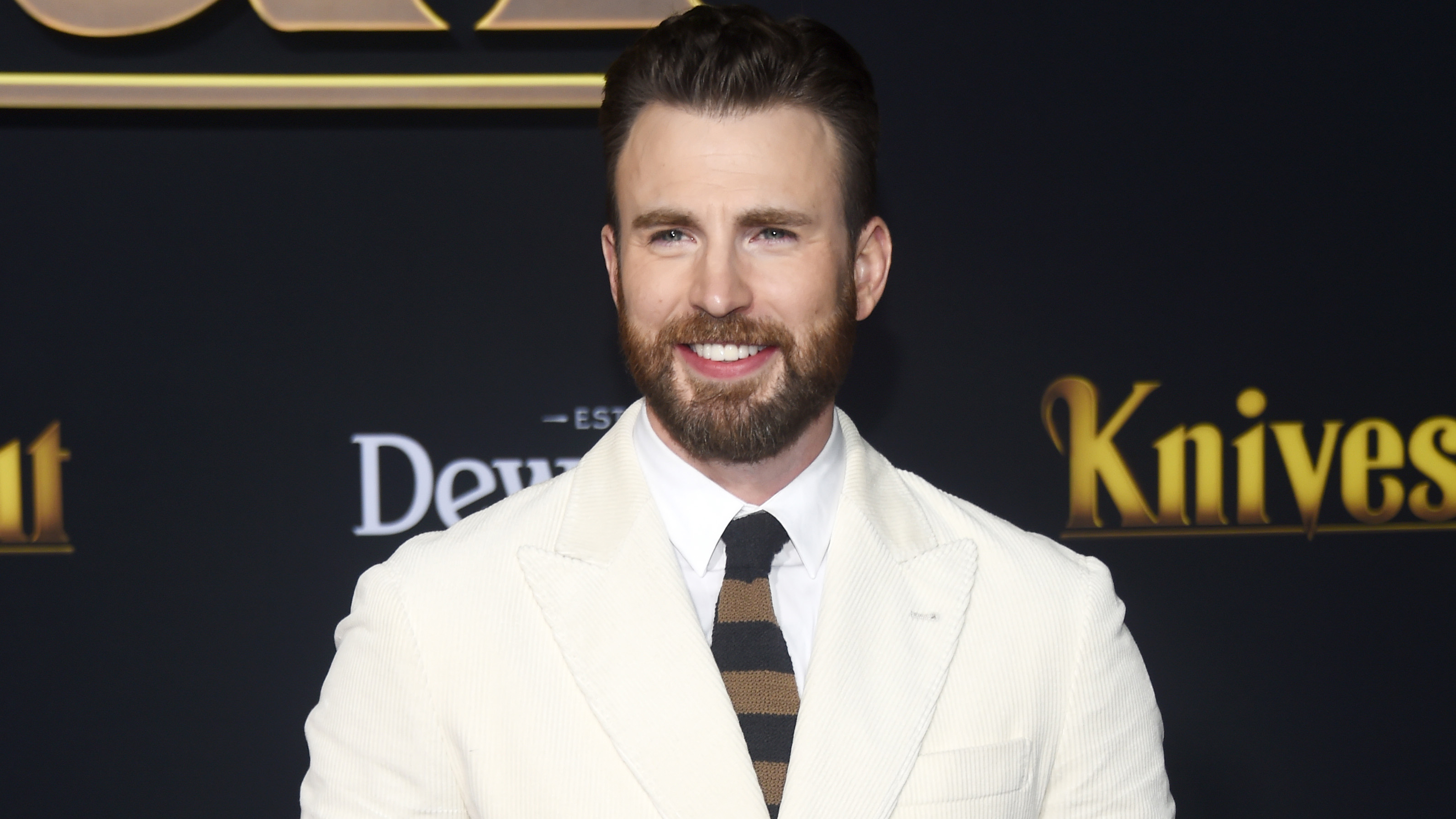 Chris Evans calls accidental NSFW photo leak 'embarrassing' thanks fans for 'support' – Fox News