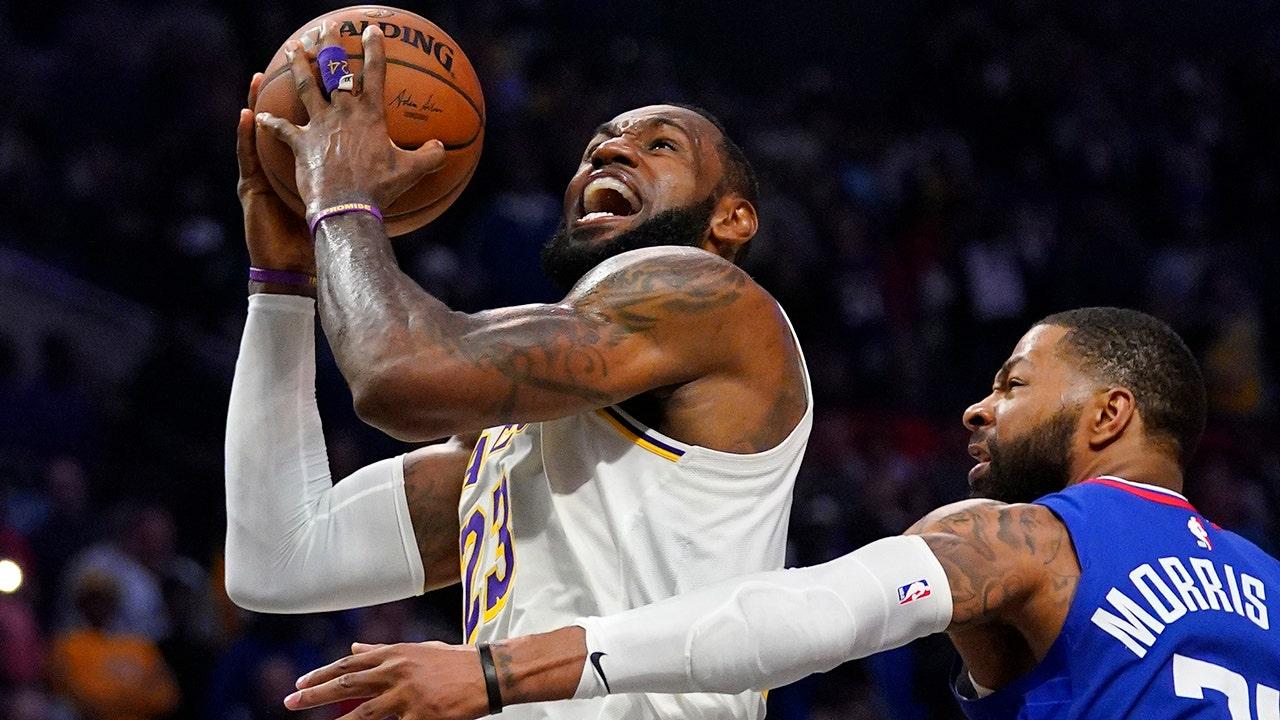 LeBron: Penutupan tidak mungkin kecuali Lakers dapat menyelesaikan musim