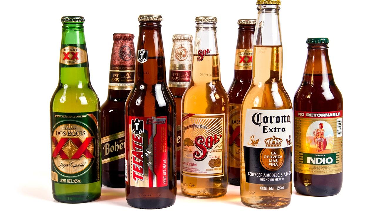 Mexiko-Shopper kaufen Masse Mengen von Bier während der Corona-Virus-Pandemie