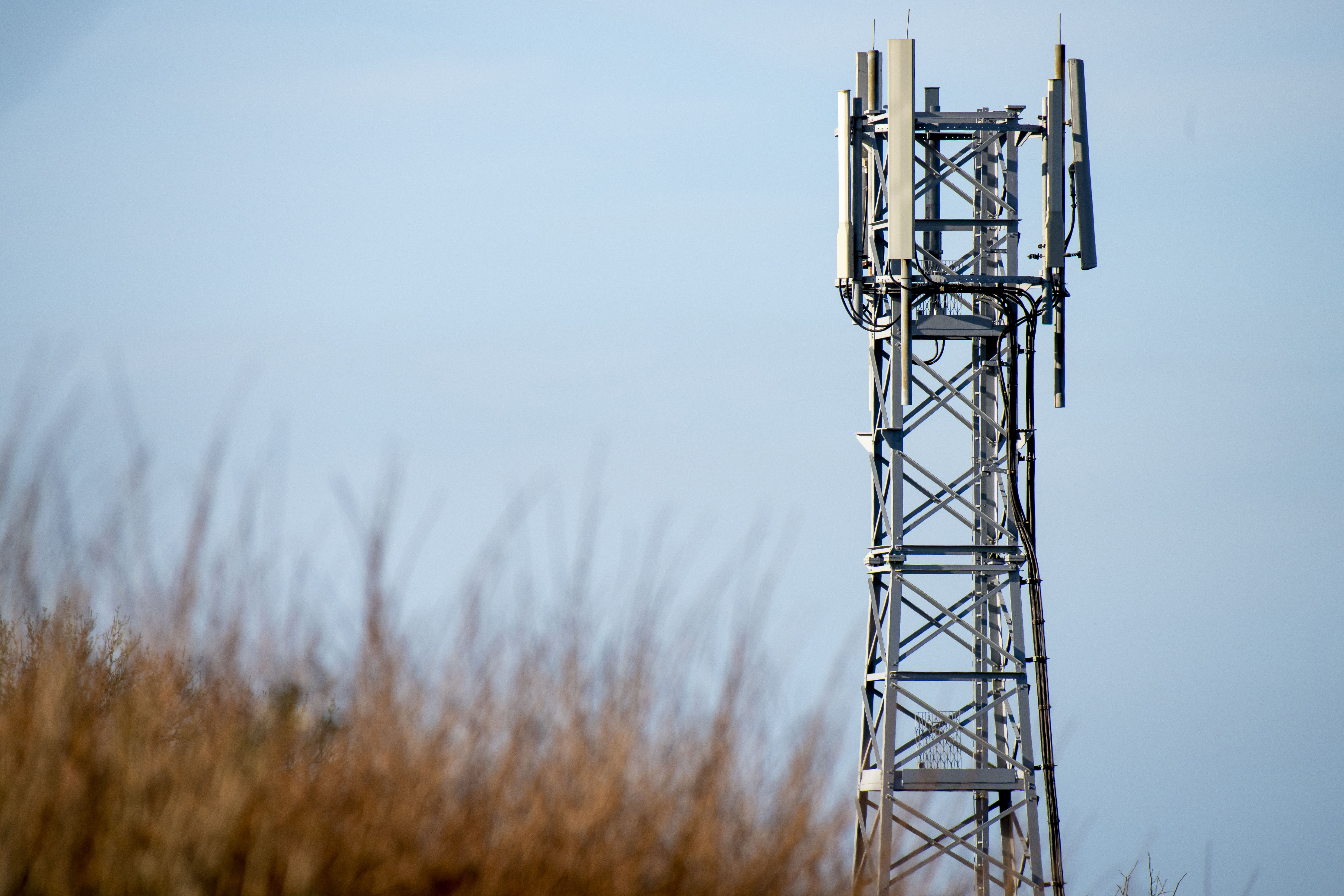 UK cell towers torched after bizarre conspiracy theory links 5G to coronavirus pandemic - fox