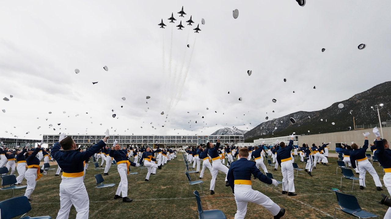 Thunderbirds honor coronavirus responders in Colorado with 'completely amazing' flyover