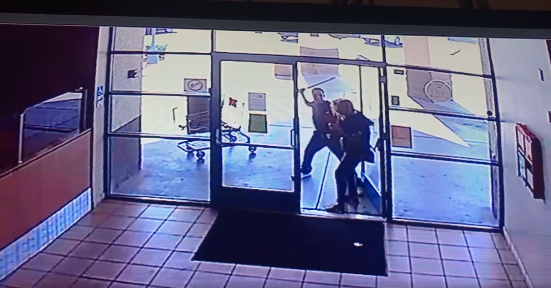Westlake Legal Group Tuscon-Police-Department Arizona robber seen attacking elderly woman with pipe, stealing her pizza, police say fox-news/us/us-regions/southwest/arizona fox-news/us/crime/robbery-theft fox-news/us/crime/police-and-law-enforcement fox news fnc/us fnc David Aaro article 74fd2853-483b-5379-bacd-a5e92a560e0d