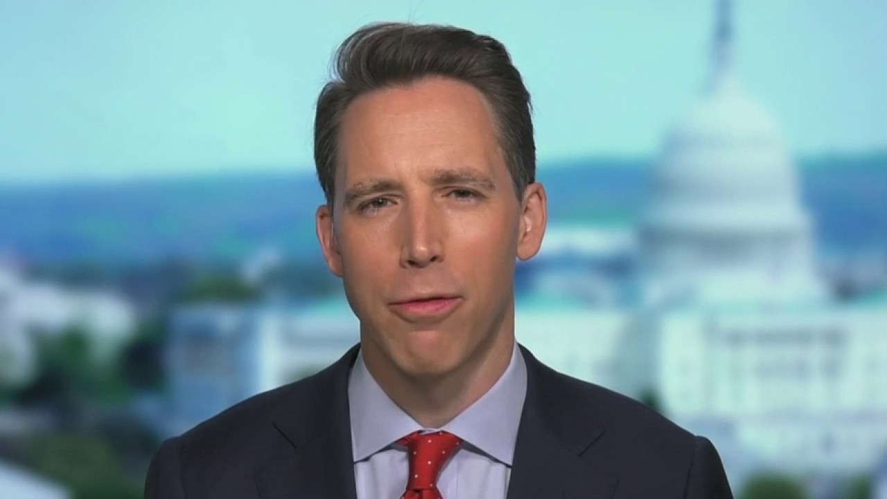 Donald trump Sen. Hawley calls for special counsel to probe Obama administration: 'The more we learn, the worse it gets' - Fox News thumbnail