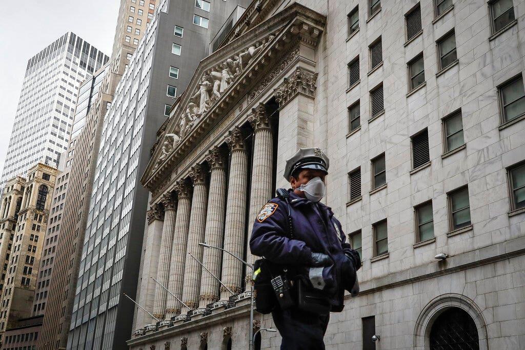 Cops use force in social-distancing arrest in Brooklyn