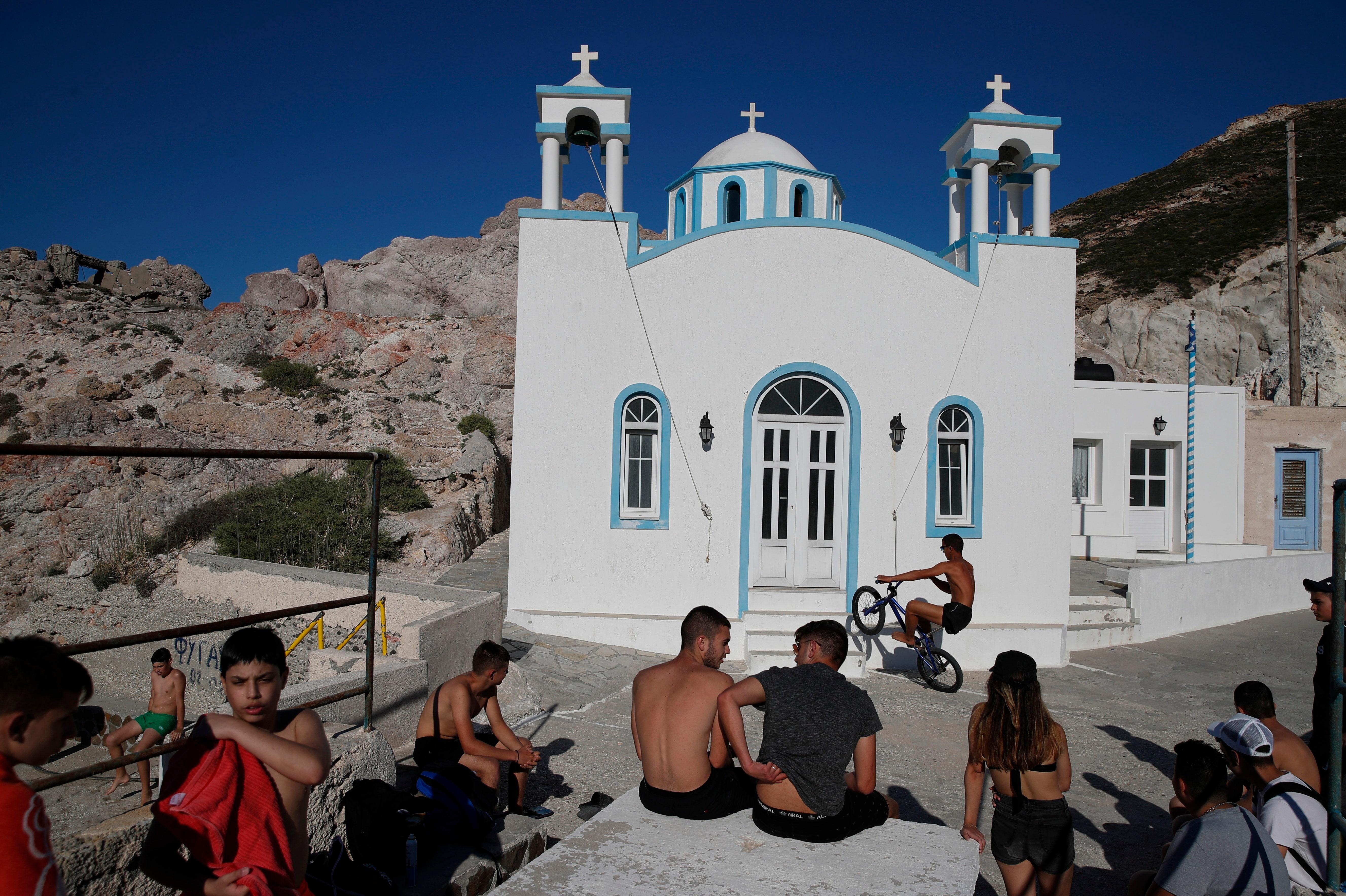 Hy Lạp sẽ mở cửa trở lại cho khách du lịch từ 29 quốc gia bắt đầu từ ngày 15 tháng 6, sẽ tiến hành thử nghiệm ngẫu nhiên