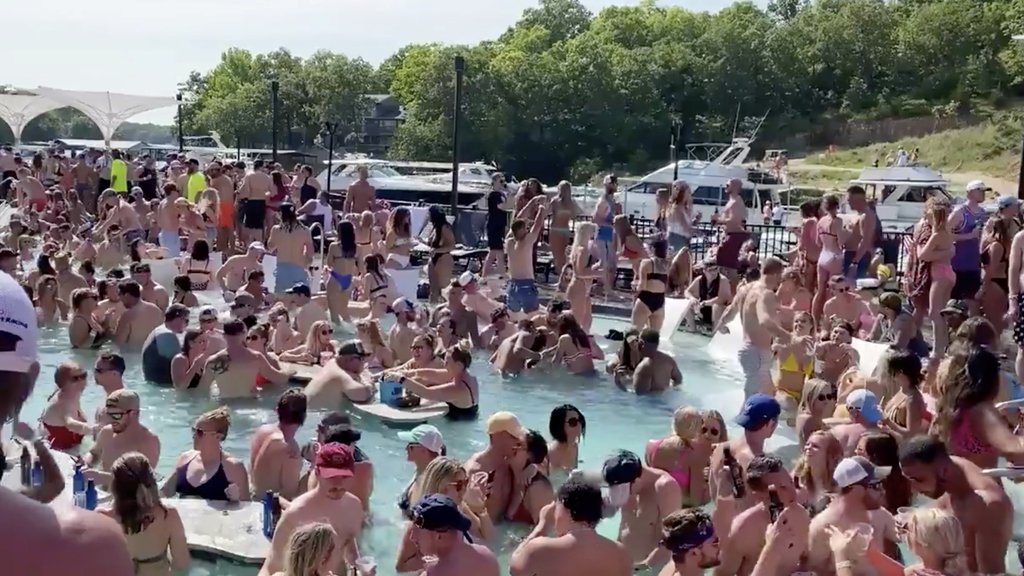 Westlake Legal Group Lake-of-the-Ozarks-Reuters Dr. Siegel 'deeply disturbed' to see viral images of packed Missouri pool and bar fox-news/shows/americas-newsroom fox-news/media/fox-news-flash fox-news/health/infectious-disease/coronavirus fox news fnc/media fnc David Montanaro article 4e3c9859-4e80-5d32-bee4-6747abc1b7df