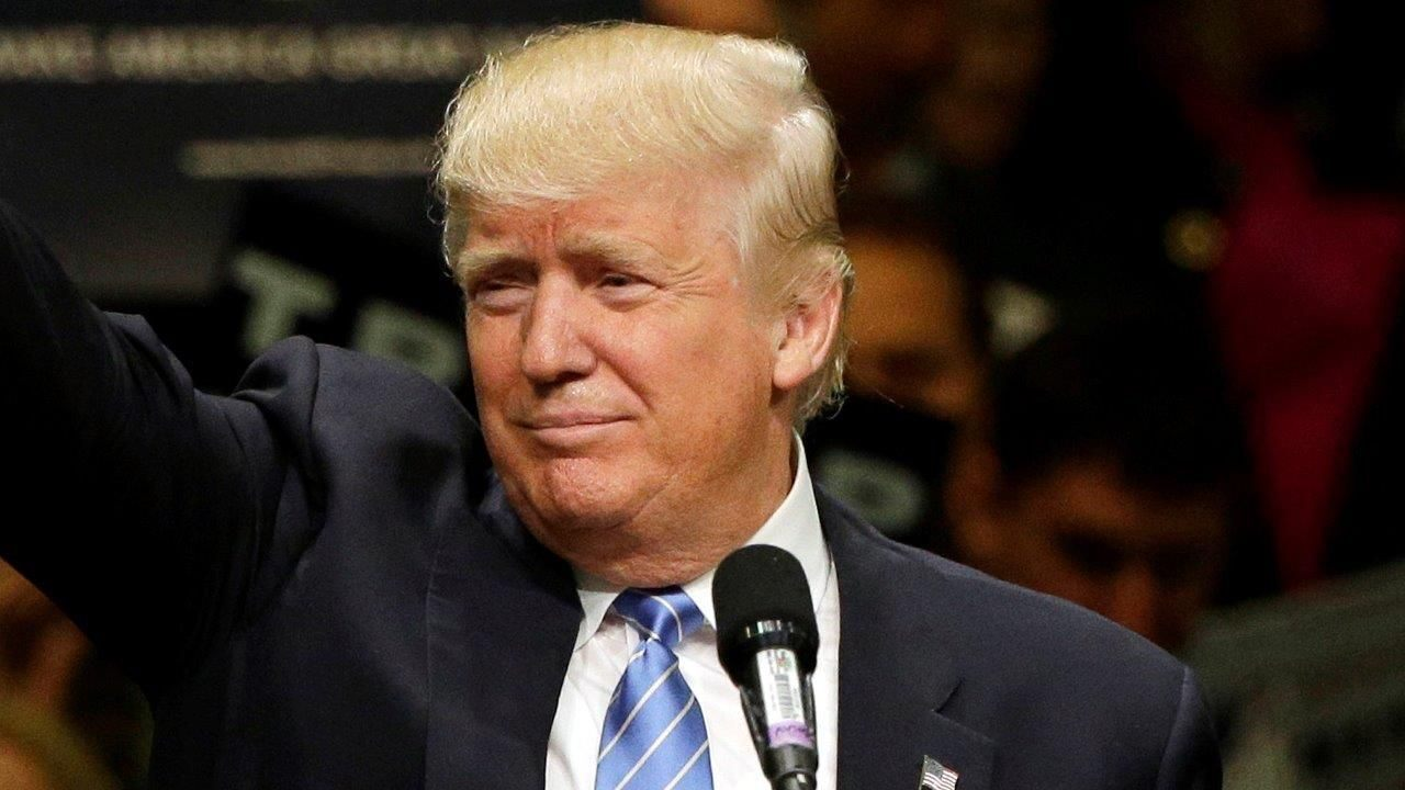 Trump considers panel to review complaints of anticonservative bias on social media