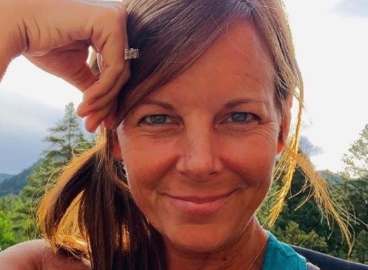 Search for missing Colorado woman turns up 'personal item' belonging to her thumbnail