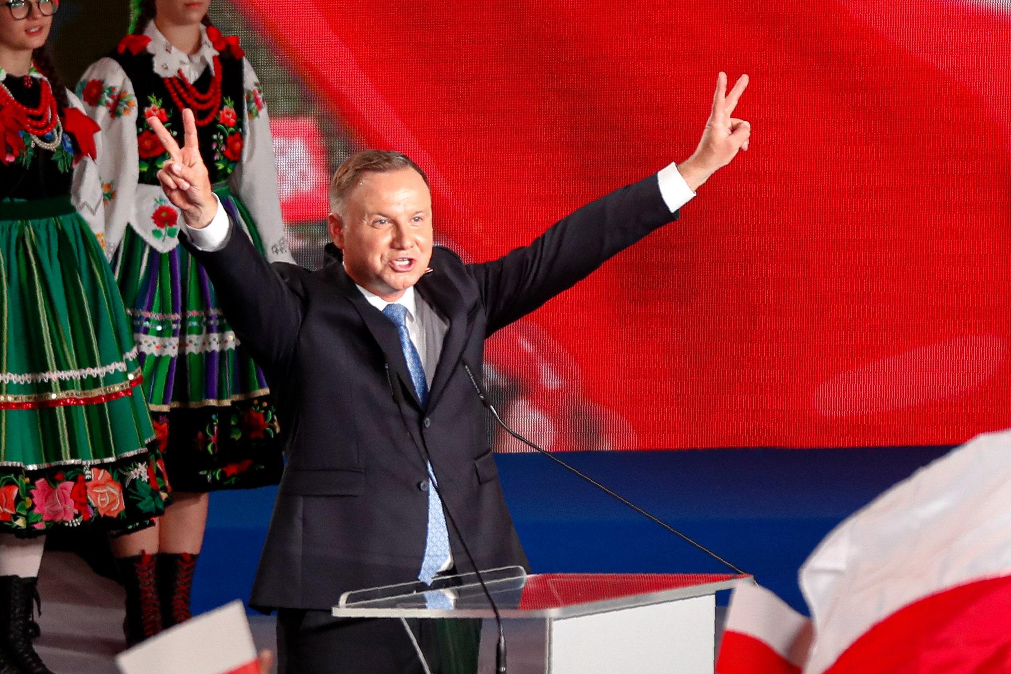 Poland's presidential vote headed for runoff, exit ballot reveals - Fox News thumbnail