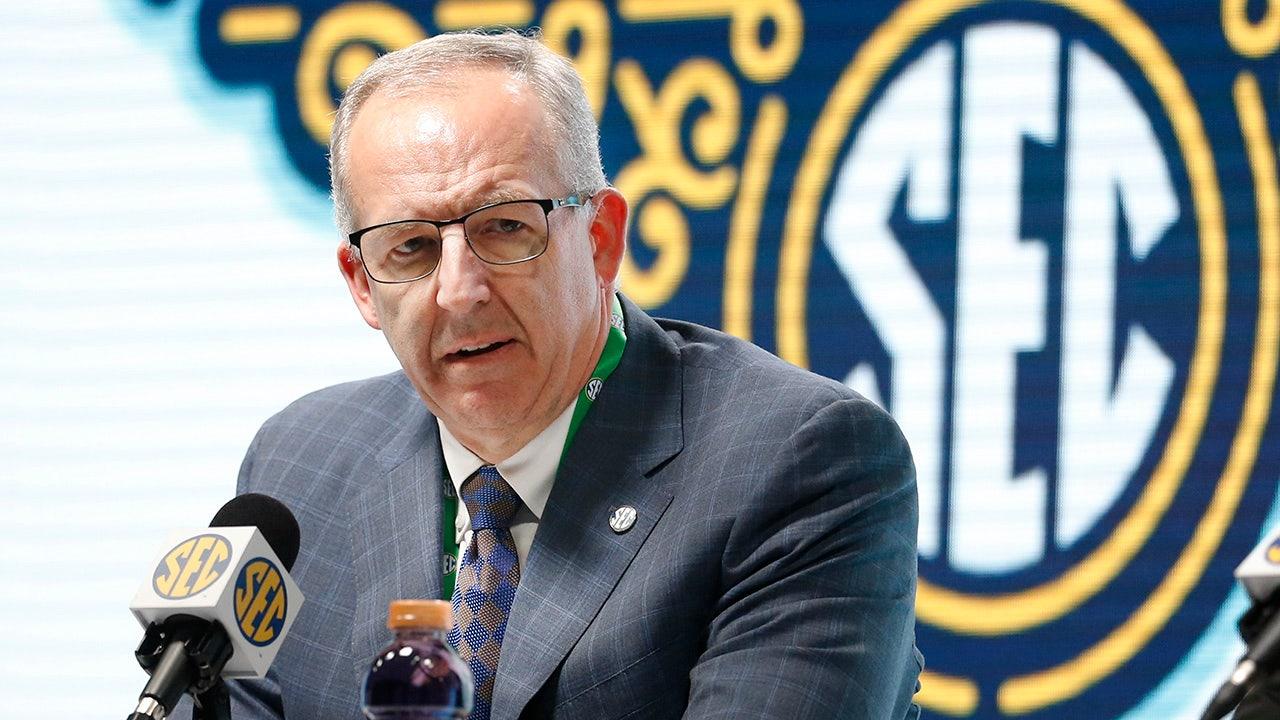 Power Five leagues ask Congress for athlete compensation law - fox