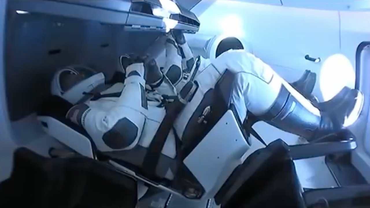 Astronauts: Falcon 9 rocket was 'totally different' ride than the space shuttle thumbnail