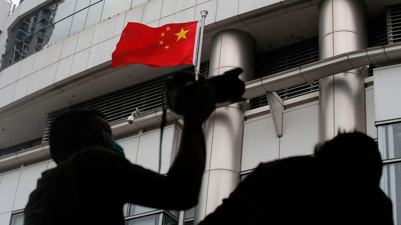 Úc chấm dứt hiệp ước dẫn độ Hồng Kông, gia hạn thị thực