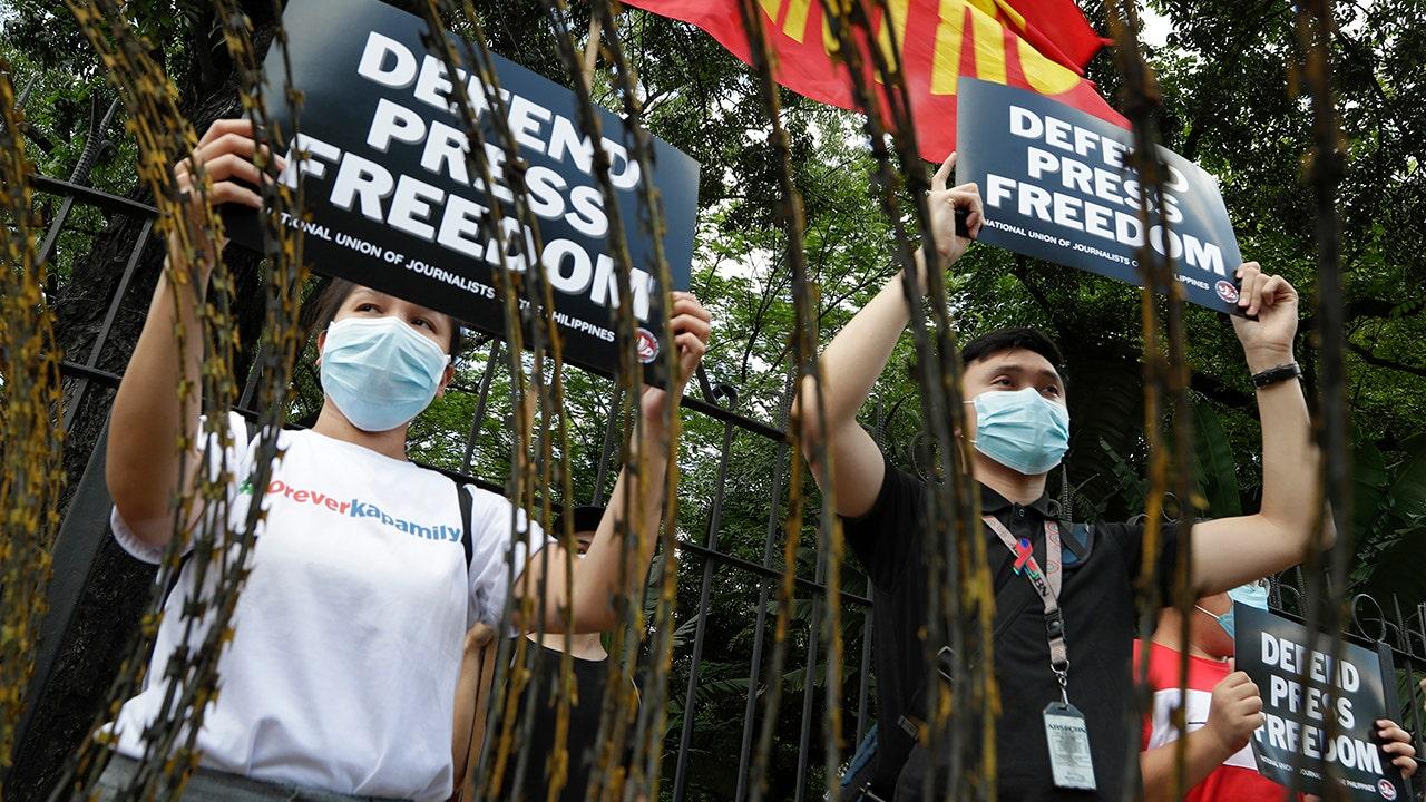 Mạng truyền hình lớn nhất Philippines đã bị từ chối cấp phép