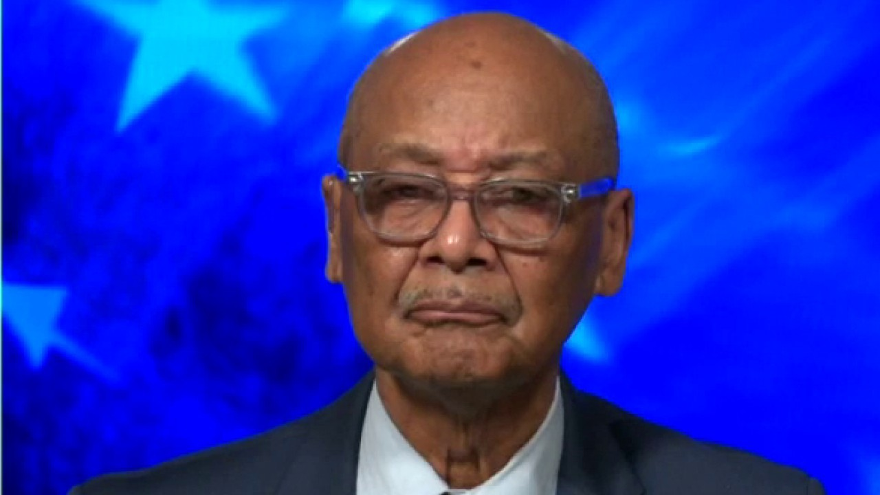Westlake Legal Group image-75 Civil rights activist reacts to Louisville riots: 'In this situation, the losers are poor Blacks' Yael Halon fox-news/us/us-regions/southeast/kentucky fox-news/us/us-protests fox-news/shows/tucker-carlson-tonight fox-news/person/breonna-taylor fox-news/media/fox-news-flash fox-news/media fox news fnc/us fnc article 4b4f5116-8f9f-5fce-ae33-6e3f533780a8