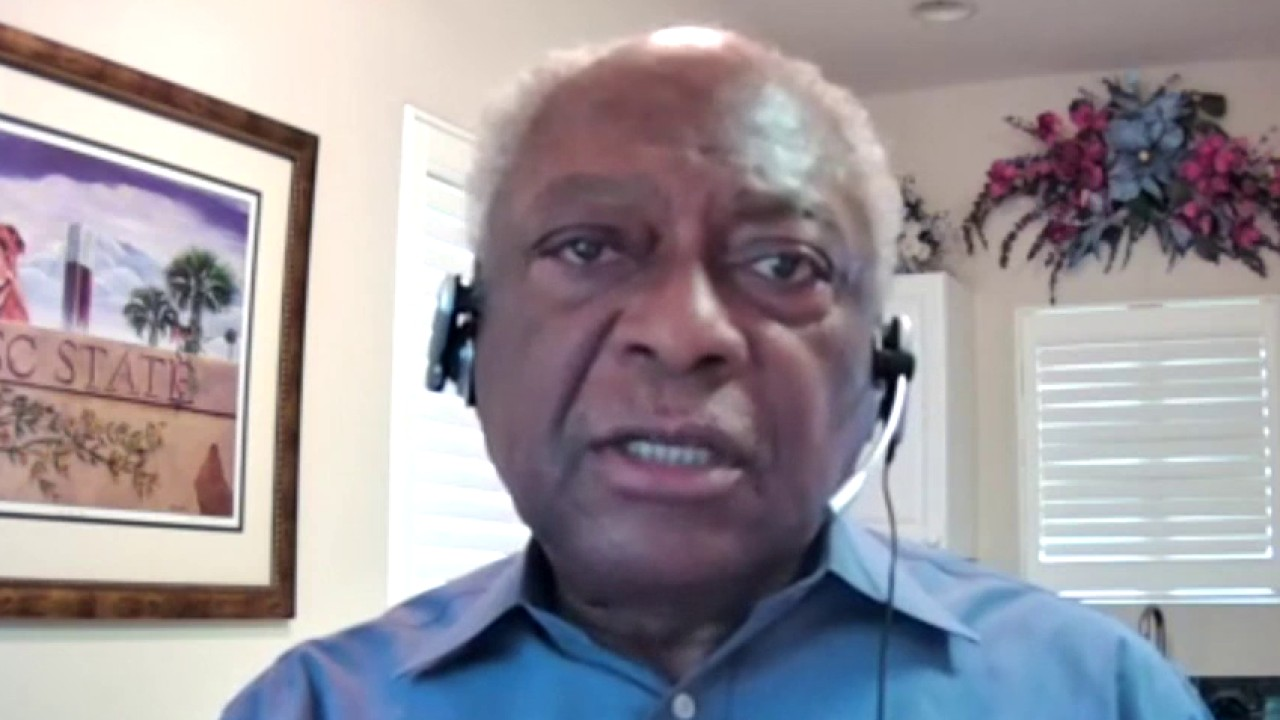 Westlake Legal Group Clyburn- House Majority Whip Clyburn on his comparison of federal agents in Portland to Nazi Gestapo Talia Kaplan fox-news/us/crime/police-and-law-enforcement fox-news/topic/fox-news-flash fox-news/shows/fox-friends-weekend fox-news/politics fox-news/person/joe-biden fox news fnc/media fnc article 7bcac127-dbc8-59ae-a153-34357bd92d7f