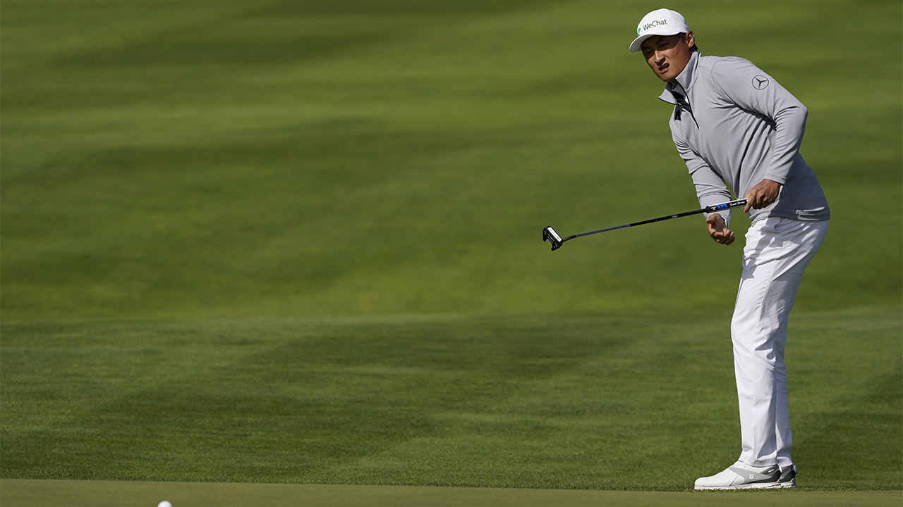 Accidental Tourist Li Leads at Mid-Point of PGA Championship