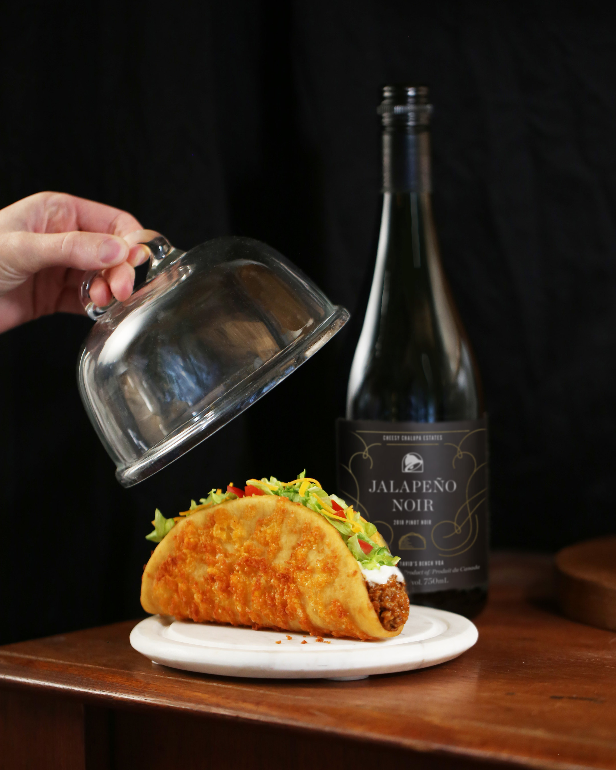 Taco Bell debuting 'Jalapeno Noir' wine in Canada, suggests pairing it... image