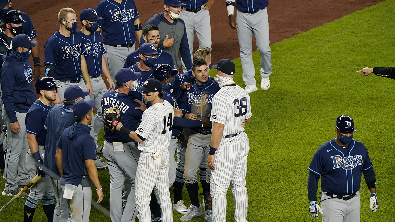 Rays' Kevin Cash issues apparent threat after Yankees' Aroldis Chapman buzzes batter – Fox News