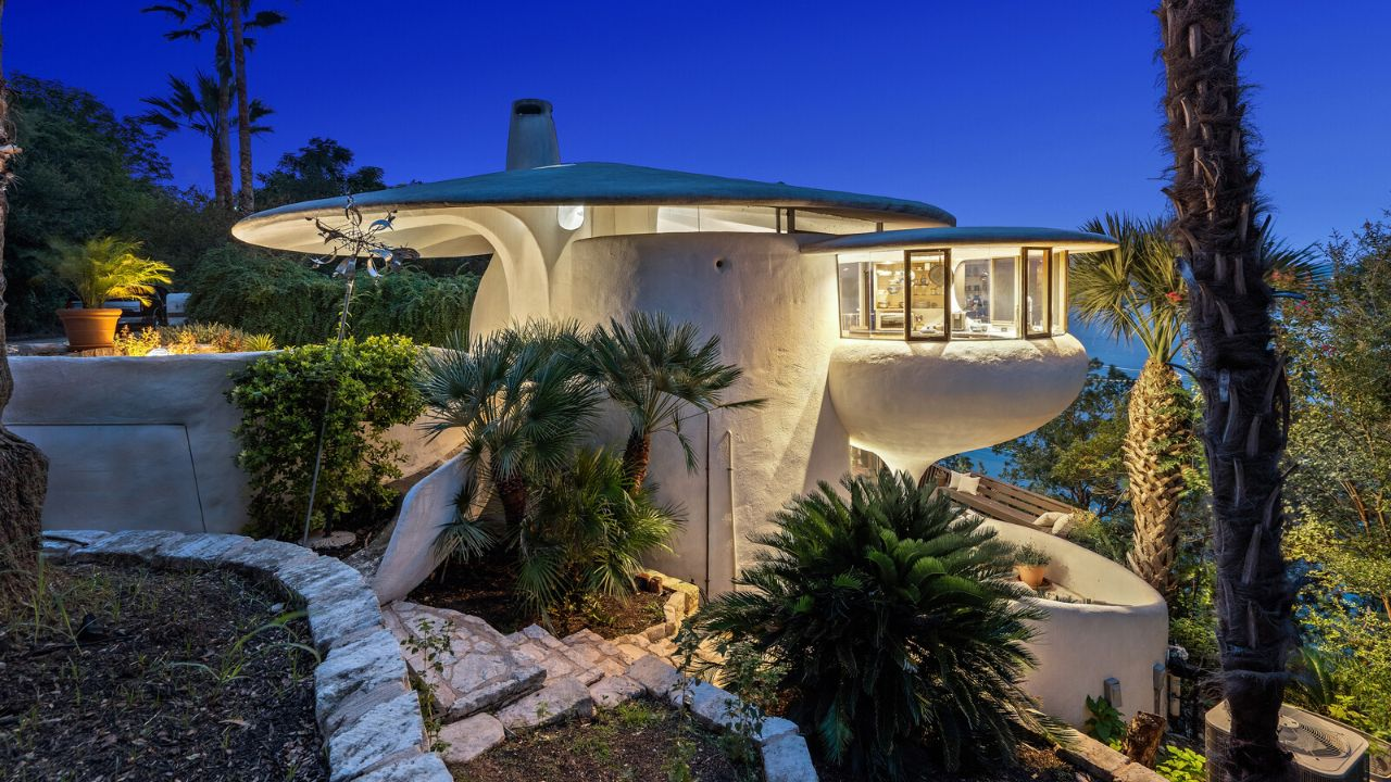 Mushroom-shaped house lists for $2.2 million in Texas