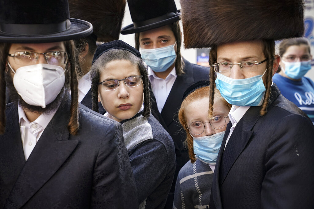 Orthodox Jews, Roman Catholics, sue NYC over Cuomo's coronavirus restrictions